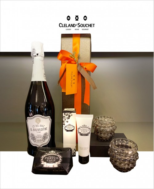 FH011 (Wine & Gift Hamper)